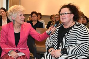 Sandra van Heemskerk (rechts) (© Friedhelm Windmüller / dbb verlag)